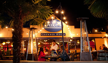 Duke's Green Lake Restaurant Outdoor Night Dining