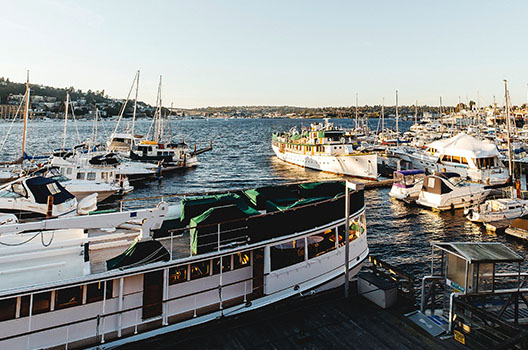 Duke's Lake Union Restaurant